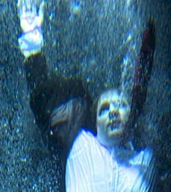 drowning thumb